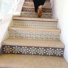 Elegant Bohemian Decor: Make the stairs a focal point of your home with an elegant design to refresh and update your hallway. Style At Home, Escalier Design, Tile Stairs, My New Room, My Dream Home, Home Projects, Diy Home Decor, Home Improvement, Sweet Home