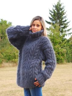 Cable Extra Thick Hand Knit Sweater Mohair GRAY door EXTRAVAGANTZA