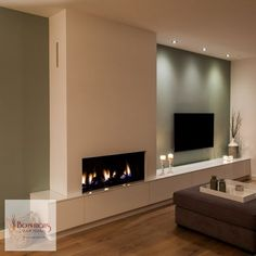 Looking for the right fireplace? Take a look at these inspirations! Home Fireplace, Modern Fireplace, Living Room With Fireplace, Fireplace Design, New Living Room, Living Room Modern, Home And Living, Living Room Designs, Living Room Decor