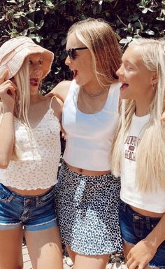 Teen Girl Outfits, Couches, Tween, Blond, Best Friends, Sisters, Bikinis, Kids, Beautiful