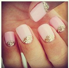 Gold glitter nails..tried this and it didn't turn out:/