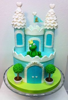 Waiting the Princess Frog Prince cake Fancy Cakes, Cute Cakes, Beautiful Cakes, Amazing Cakes, Fondant Cakes, Cupcake Cakes, Knight Cake, Frog Cakes, Prince Cake