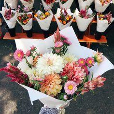 Pretty flowers | follow @shophesby for more gypset boho modern lifestyle + interior inspiration www.shophesby.com