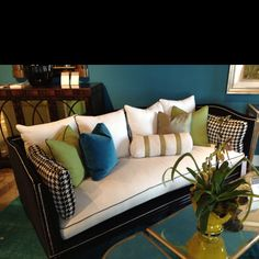 Lilian August For Hickory White Belvedere Sofa. LOVE The Frame U0026 Fabric  Application! Classic
