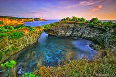 Pantai Uug - 4 Tempat Wisata di Nusa Penida Bali dengan View Mempesona