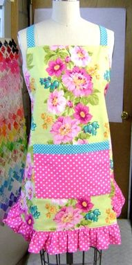 cute pink and yellow apron w/floral detailing.!