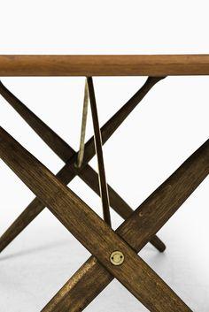 Hans Wegner dining table model AT-303 at Studio Schalling