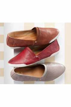 Dumbfounding Tricks: Clown Shoes Drawing womens shoes for fall.Cute Converse Shoes quilted slip on shoes. Slip On Shoes, Wedge Shoes, Shoes Heels, Dress Shoes, Flats, Pink Shoes, Louboutin Shoes, Platform Shoes, Converse Shoes