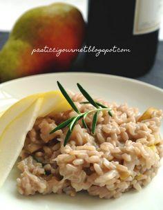 Risotto con pere al vino rosso Risotto Recipes, Rice Recipes, Good Food, Yummy Food, Food Fantasy, Quinoa Rice, Gnocchi, Couscous, Food To Make