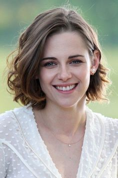 Kristen Stewart Portretten Grijs haar kapsels, Bob