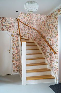 Entry hall and stair in Josef Frank wallpaper Concrete Color, Yellow Interior, Corner House, Inspirational Wallpapers, Beautiful Interior Design, Wall Colors, Colorful Interiors, Interior Decorating, Sweet Home