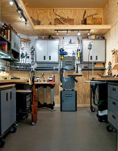 Wood Carver's Workshop - traditional - garage and shed - dallas - RSVP Design Services