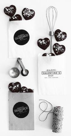 Valentine's Day Chocolate Sugar Cookie Favors + Free Printable Bags — Kristi Murphy | DIY Ideas