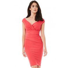 ce0d2e6100 Koralowa ołówkowa sukienka midi na wesele z efektownym marszczeniem w talii