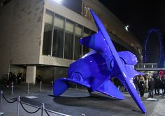 unstoppable spirit sculptures fuse art with land rover discovery sport