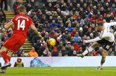Wayne Rooney mantuvo su buen momento, anotando a los 78 minutos el gol decisivo, y Manchester United se impuso el domingo 1-0 en casa del Liverpool, en un animado duelo entre los dos clubes mas exitosos en Inglaterra. January 17, 2016.