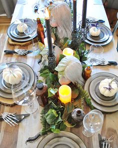 A haunted table setting perfect for day or nigh Scary Halloween, Happy Halloween, Halloween Party, Halloween Table Settings, Halloween Decorations, Decorating Your Home, Interior Decorating, Wood Bark, White Pumpkins