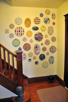 Fabric Wall Hoops, such a great idea.I may have to try it.