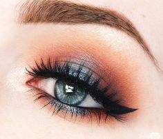 Makeup Geek Eyeshadows in Bitten and Houdini (foiled) are an unexpected, yet beautiful, pairing. Anneloes Debets also used Makeup Geek Signature Eyeshadows in Bada Bing, Cupcake, Chickadee, Mocha, Peach Smoothie, and Shimma Shimma + Makeup Geek Foiled Eyeshadow in Starry Eyed to create this look.
