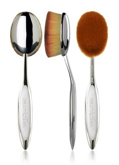 Oval 8 — Artis Makeup Brushes