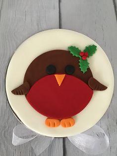 Fondant Christmas Cake, Mini Christmas Cakes, Christmas Cake Designs, Christmas Cake Topper, Christmas Tree Cake, Christmas Cake Decorations, Fondant Decorations, Wedding Cake Decorations, Christmas Desserts