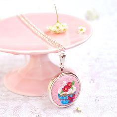 Cupcake Necklace. Cupcake Gift. Cupcake Birthday Outfit. Food Jewelry. Cupcake Jewelry. Food Necklace. Gift For Baker. Sweet Tooth Gift