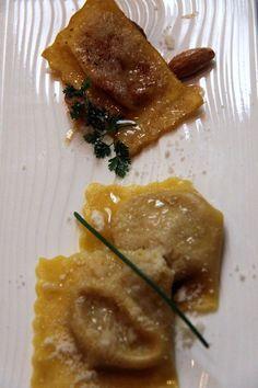 Tortelli ripieni di zucca cotti e ricotti con mandorle e castagne - Ristorante Parizzi - Parma