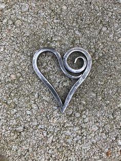 Wire Wrapped Jewelry, Wire Jewelry, Jewellery, J Necklace, Blacksmith Projects, Metal Art Sculpture, Forging Metal, Scrap Metal Art, Wire Pendant