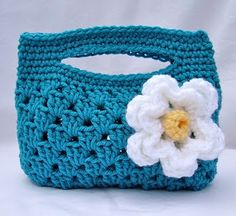 Granny stripe boutique bag! I made this, gave it away, and then lost the pattern. Glad to have rediscovered it!