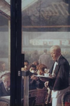SAUL LEITER Waiter, Paris, 1959