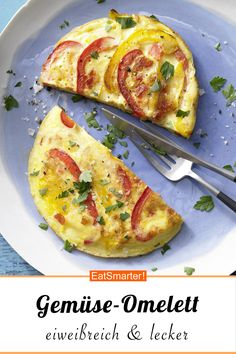 Vegetable omelet- Would you like a protein-rich breakfast? Then try this vegetable omelet – with tomatoes and peppers – smarter – calories: 200 kcal – time: 25 min. Fruit Smoothie Recipes, Healthy Smoothies, Healthy Drinks, Healthy Recipes, Omelette Legume, Protein Rich Breakfast, Cooked Cabbage, Healthy Protein, Egg Recipes