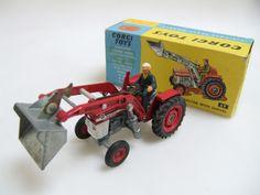 Massey-Ferguson Tractor with Shovel Antique Toys, Vintage Toys, 1980 Toys, Corgi Gifts, Corgi Toys, Farm Toys, Matchbox Cars, Remote Control Cars, Metal Toys