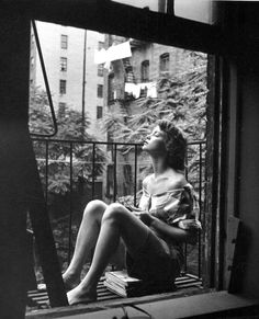 Nina Leen, A young woman napping on her balcony, New York City, (NYC, black and white) Poses, White Picture, Vintage Photographs, Belle Photo, Black And White Photography, Old Photos, Street Photography, Fashion Photography, Art Photography