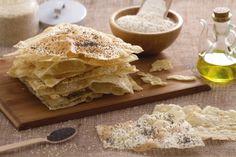 il nostro PANE ARMENO è un lievitato a base di acqua, sale, olio e farina manitoba, assolutamente senza lievito. Qui la #video #ricetta: http://ricette.giallozafferano.it/Pane-armeno.html #GialloZafferano #pane