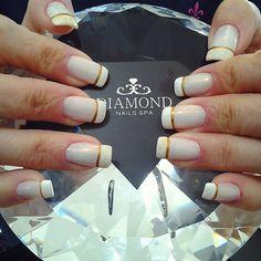 #diamondnailsspa #nailsspa #unhafrancesa #nailart #adesivodeunha #naillovers #unhabonita #instanails  #instaunhas #naildiamond