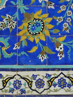 Oh, these tile colors are just perfect! Yes please! tiles sjeik Lotfallah Mosque