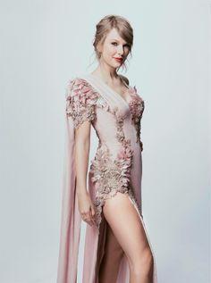 Queen Taylor Swift