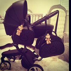 Esta foi a escolha da mamãe @bellant para seu príncipe. Bolsas Maternidade contato somente por email vilmamirianatelie@hotmail.com #gestante #gravidinha #gravida #bebe #maternidade #mamae #bolsamaternidade #enxovaldebebe #mimaxari