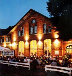 OpenAir Kino im Lukas (Essen). Programm und Infos auf: http://www.coolibri.de/redaktion/open-air-kino-ruhrgebiet/openair-kino-im-lukas.html