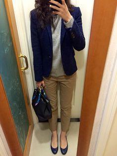 Zara woollen blazer, Whistles cashmere sweater, UNIQLO chinos, blue leather flats, Hermes Garden Party TPM.