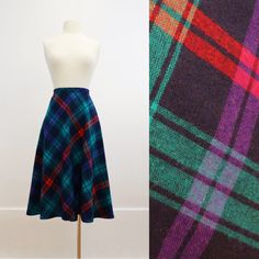 1970s plaid wool skirt - vintage 70s tartan skirt - mid mid length - a line skater skirt - green red blue - large to extra large l xl