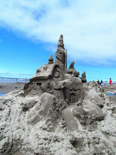 Sandsations ~ 2013 is Sandsations year of family sandcastle building and entertainment on the beach in Long Beach, WA. Long Beach Washington, Seattle Area, Sand Art, Day Trips, Castles, Festivals, Mount Rushmore, Coast, Bucket