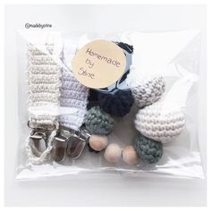 En lille bestilling på vej til Rødovre #hækling #hækle #hækler #hæklet #hækleri #baby #hækl #hæklerier  #hækleprojekt # #hæklingerdetnyesort #hæklingerdetnyesort #hæklingforbegyndere #hæklingtilbaby #crochet #crochetting #crochetaddict #crocheting #crochetlove #crochetersofinstagram #madebystine by madebystine