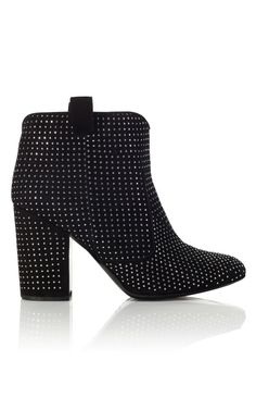 Must have a studded bootie for Fall .... LaurenceDacade
