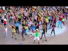 【Flashmob】Militaly Servise (2011)Okinawa, ・LMFAOが好きだからup ・日本開催でも、馴染んでるのはダンサーがOkinawansだから?