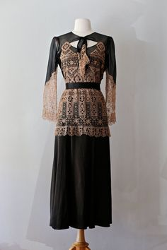 Vintage 1920s Dress ~ Vintage 20s Lace Dress ~ Vintage Flapper Dress ~ Vintage 1920s Silk Chiffon and Handmade Lace Cocktail Dress