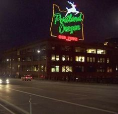 Portland, Broadway Shows, Neon Signs