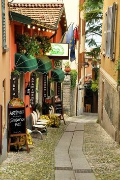 Ah, cara Italia! Side street in Bellagio, Lago Como, Italy photo by Jackie Sheeran. Places Around The World, Oh The Places You'll Go, Places To Travel, Around The Worlds, Beautiful World, Beautiful Places, Beautiful Streets, Comer See, Lake Como Italy