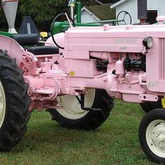 Pink John Deere Tractor by Donnali,- perfect for you me and Lia Old Tractors, John Deere Tractors, Vintage Tractors, Pink Love, Pretty In Pink, Pink Tractor, Horse Mane, Pink Cadillac, Unique Cars