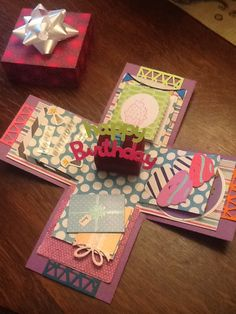 Explosion box card   Mom I want you to make me one of these cards :)